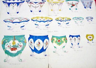 """Bols à Noix, Fraisiers à griffes & cache pots """"Sardou"""", décors Sèvres et Chantilly"""