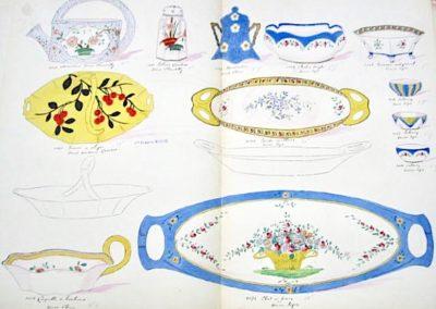 """1 Arrosoir & 1 salière décor """"Chantilly"""", 1 moutardier """"Chine"""", 1 bol à doigt, 1 fraisier, & 3 salerons et 2 plats en Sèvres n  Bol à Doigts"""