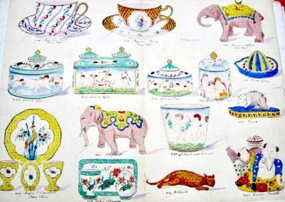 2 tasses à thé décor Sèvres, encrier et cache pot à décor d'amours, 2 services à oeufs à décor de Chine & Chantilly, encrier Boudha et 4 animaux.